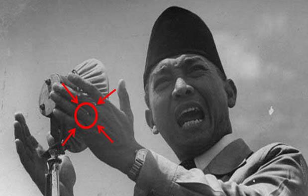 sosok presiden pertama Republik Indonesia Misteri Merah Delima Soekarno dan Nyi Roro Kidul