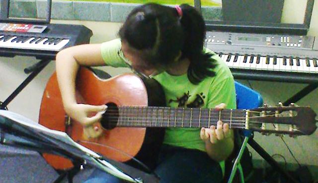 HOC-DAN-PIANO-ORGAN-GUITAR-QUAN-BINH-THANH-HCM