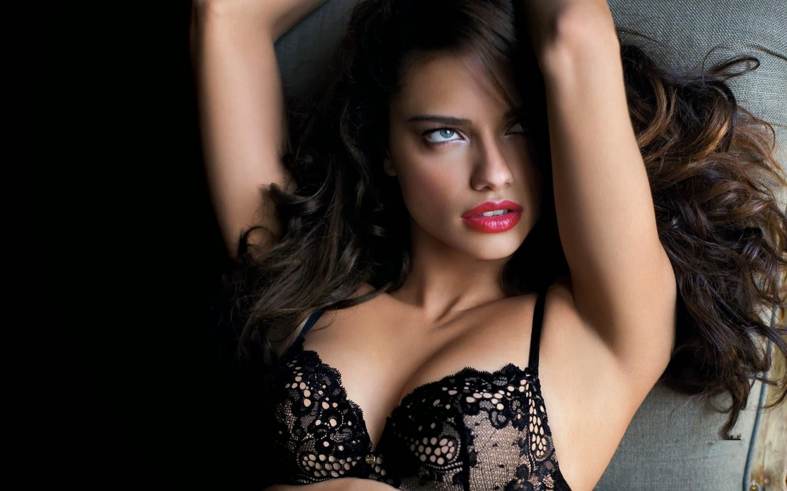 b03911de309 my magazine: Ο μελαχρινός ''άγγελος'' της Victoria Secret Adriana ...