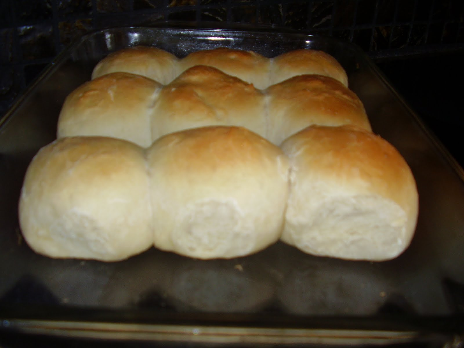 Kristi's Dishes: Yummy Yeast Rolls- bread machine