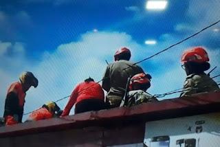 Comerciante morre após sofrer descarga elétrica em telhado de loja