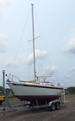 Ericson 25, Oystercatcher: Spars, Mast Stepping, a Tutorial