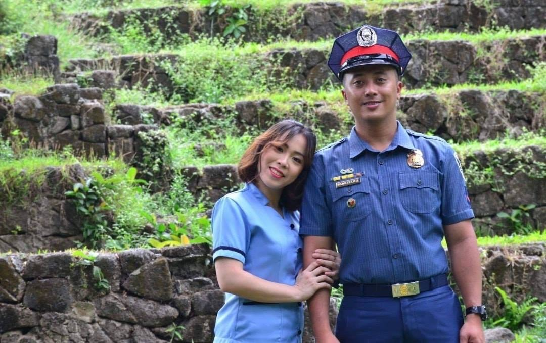 Teacher marries policeman who apprehended her at a checkpoint