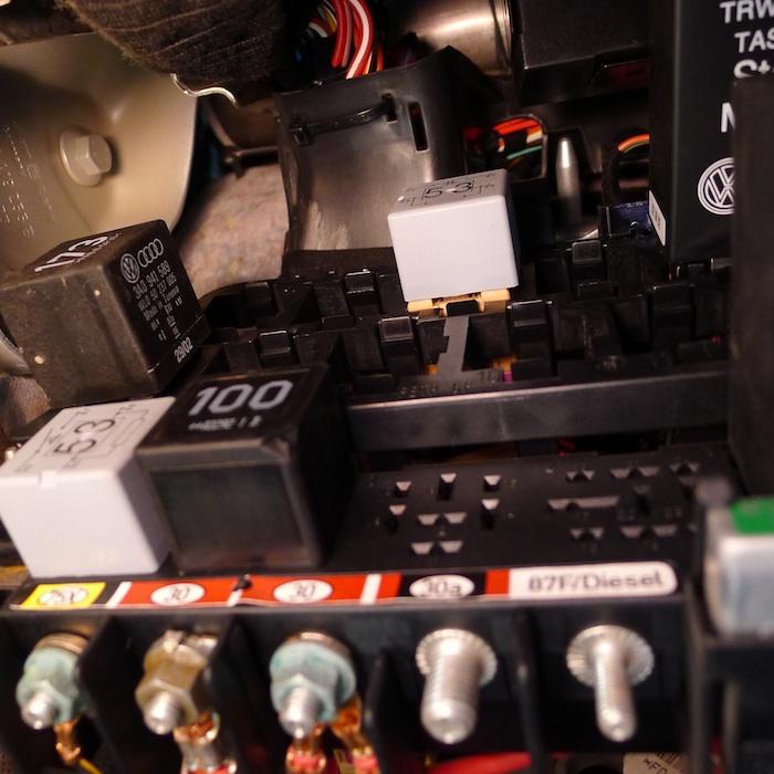 2000 Vw Jetta Fuel Pump Relay Location