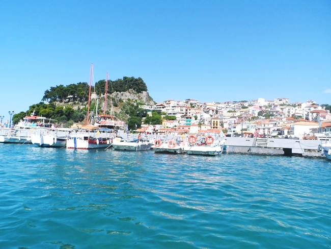 Parga, coastal town and greek resort in the bay of Ionian sea.Parga grcko letovaliste na obali Jonskog mora.Parga travel guide.Parga photos.