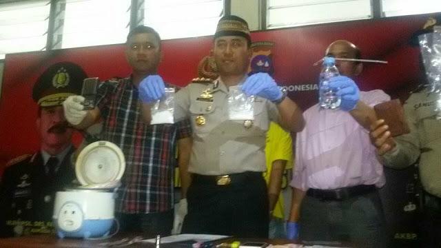 Polisi Tangkap Pengedar Sabu Jaringan Sumbar-Riau di Kampung Jao