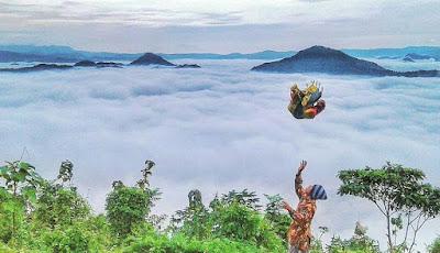 Negeri kayangan bukit mbayon