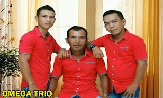 lirik dan terjemahan lagu mardua holong omega trio