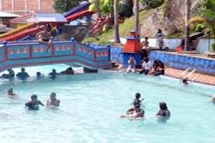 Waterboom Di Muaro Kalaban Sawahlunto