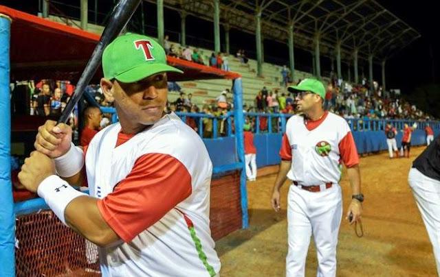 Alomá, natural del capitalino municipio de Arroyo Naranjo, pero que jugó con Artemisa la primera parte de la temporada, promedió para 471, de 17-8, con par de dobles y un cuadrangular, ante el picheo de Ciego en las semifinales