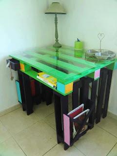 mesa hecha con pallets de madera