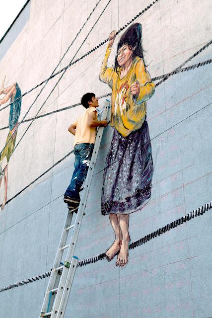 Street Art By Ernest Zacharevic For Vilnius Street Art Festival In Lithuania. 7