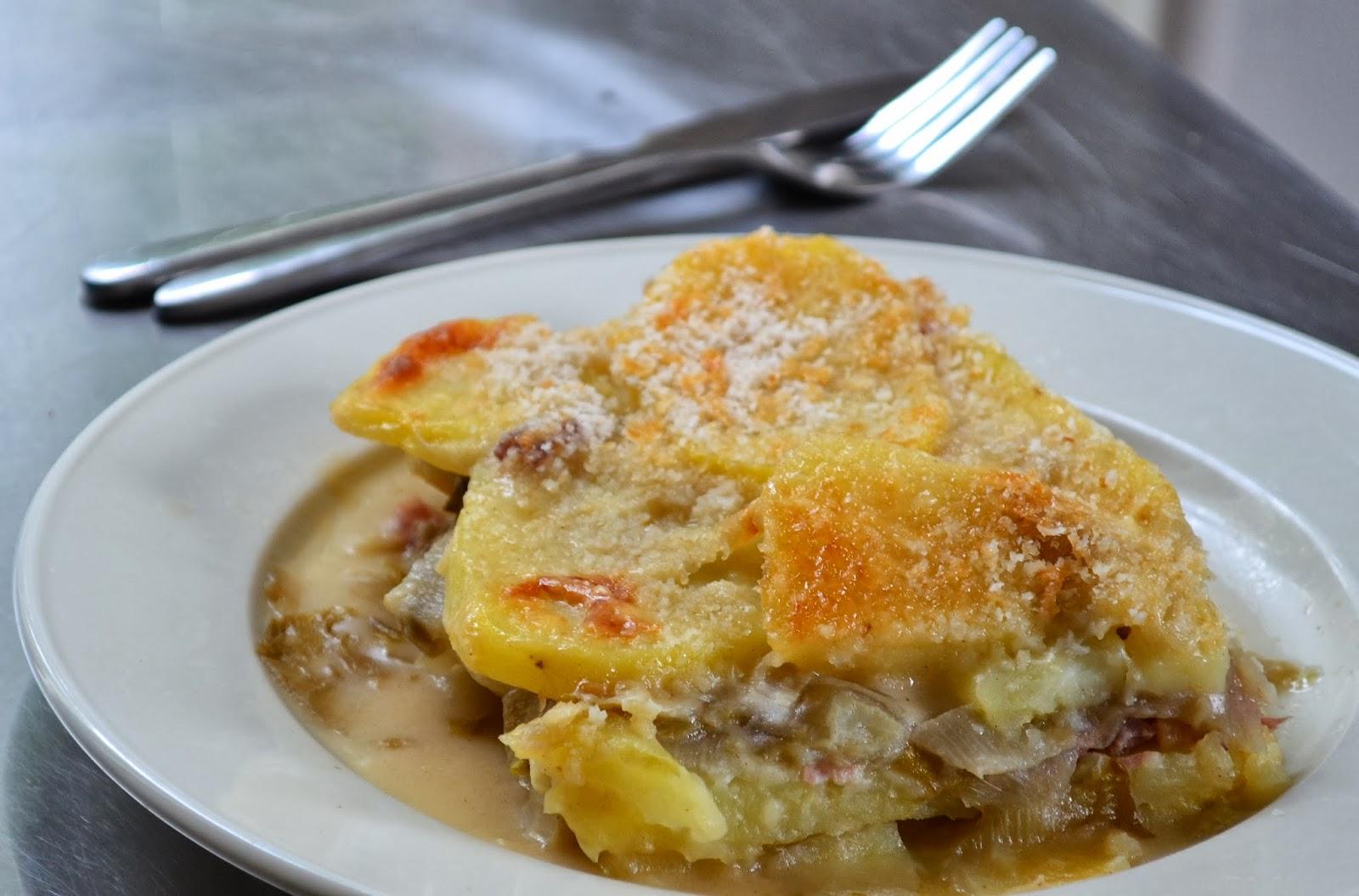 Heerlijke ovenschotel met witlof, ham en kaassaus