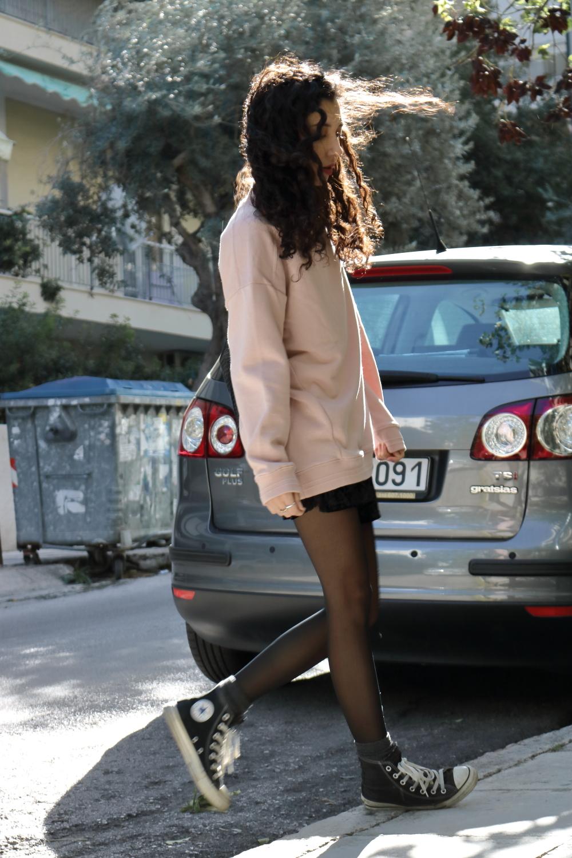 Autumn/Winter 2016 Trends | Sportswear and Velvet | Pink and Black | www.theblushfulhippocrene.blogspot.com