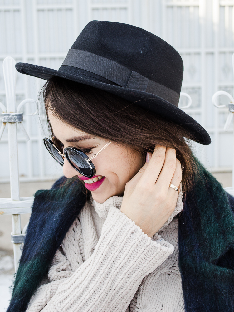 fashion blogger diyorasnotes winter outfit printed coat black hat zaful bag biker boots