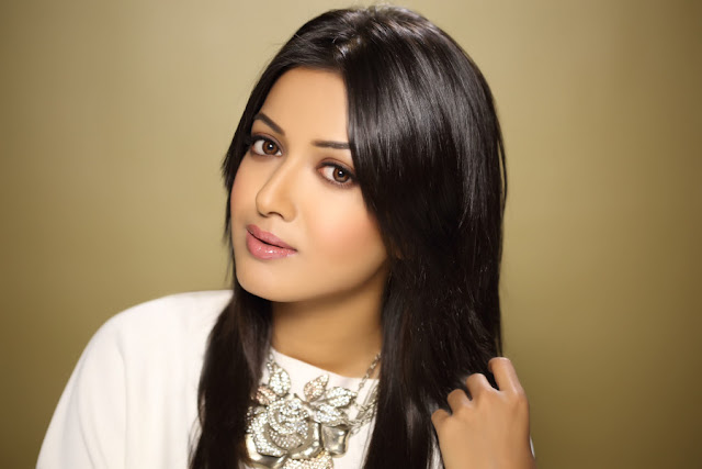 Catherine Tresa HD Wallpapers Free Download