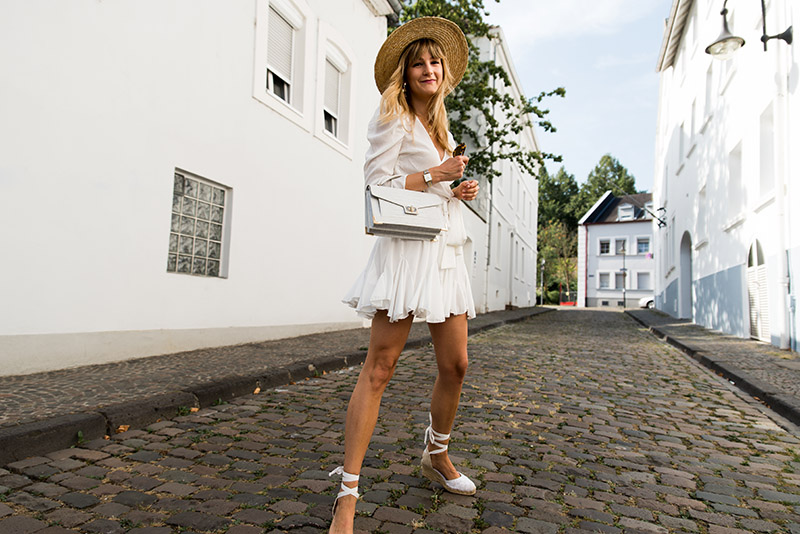 total-look-blanc-french-girl-streetstyle