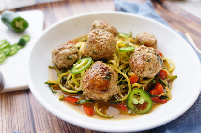 Spicy Asian Meatballs | a tasty way to work on your summer bod!