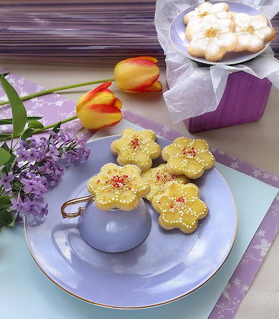 Пролетни захарни бисквити с кокосово масло /веган/