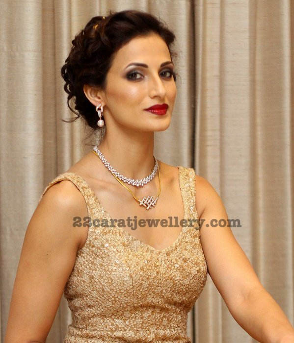 Shilpa Reddy in Antique Style Ruby Set