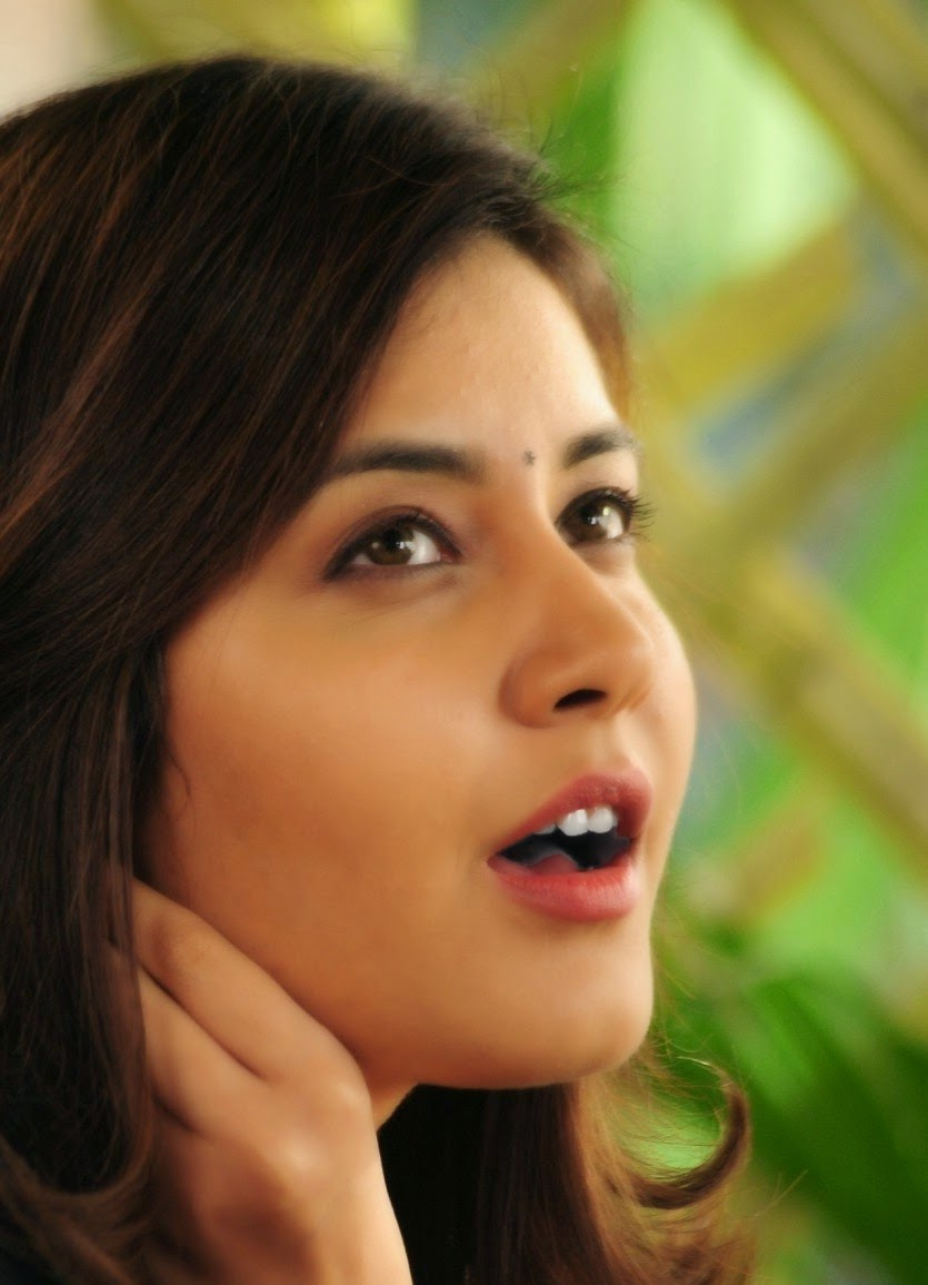 Tollywood Glamours Actress Rashi Khanna Latest Cute Face Close up Still