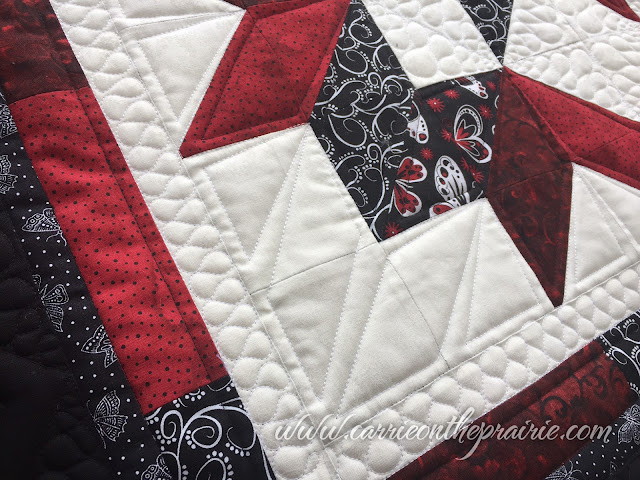 http://carrieontheprairie.blogspot.ca/2016/12/carpenters-star-quilt.html