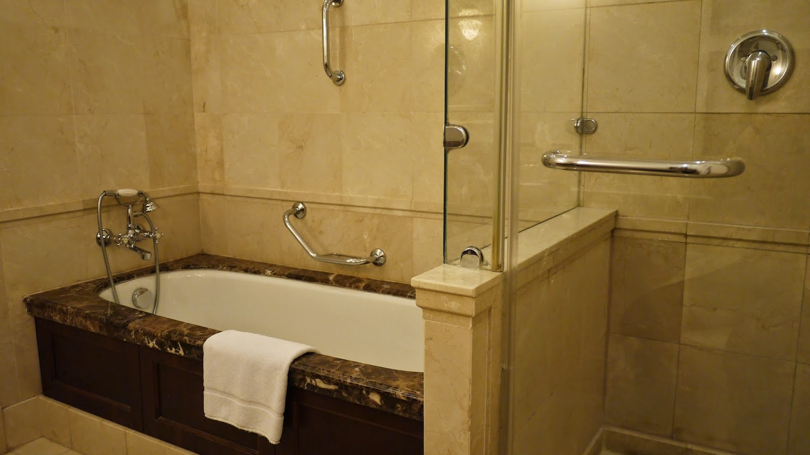 Le Meridien Budapest Bathroom