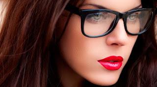 Alasan Kenapa Kamu Perlu Memakai Kacamata