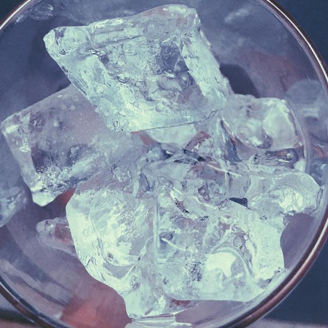 Es Batu Untuk Mengompres Luka Memar