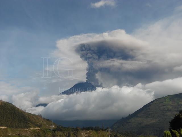 Panache éruptif du volcan Tungurahua, 05 mars 2015