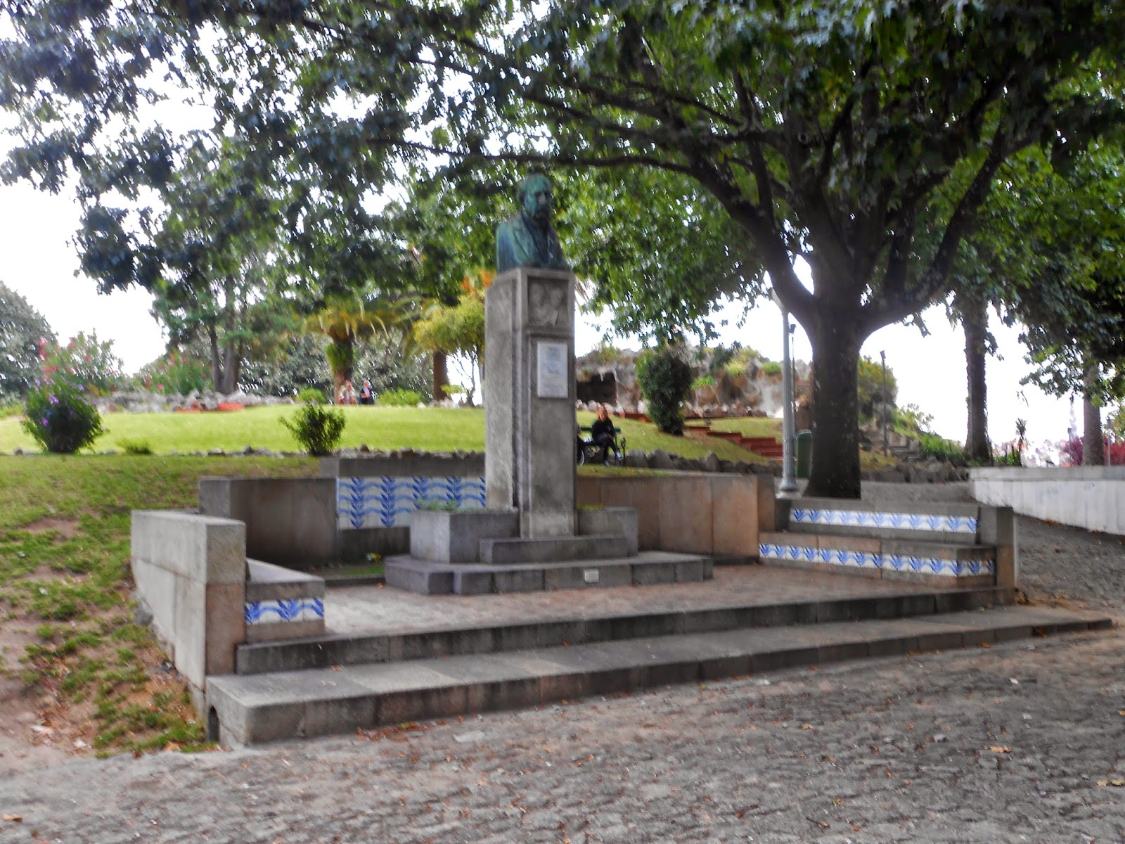 festa jardim do morro: – Vila Nova de Gaia – Jardim do Morro – Busto de Diogo Cassels