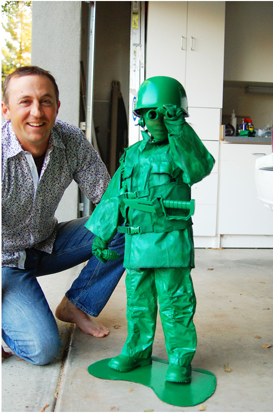 Green army man- Another childhood memory brought to life through some creative minds during Halloween!  sc 1 st  Hendrick Acura Overland Park & Hendrick Acura Overland Park | Creative Costume Ideas