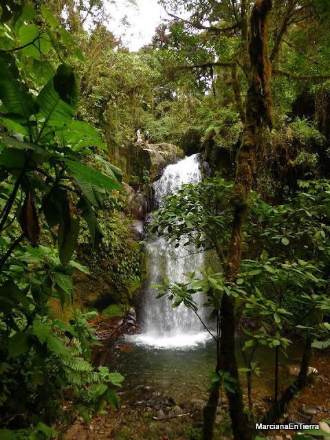 Segundo salto de agua de las Cascadas Perdidas de Boquete, Panamá