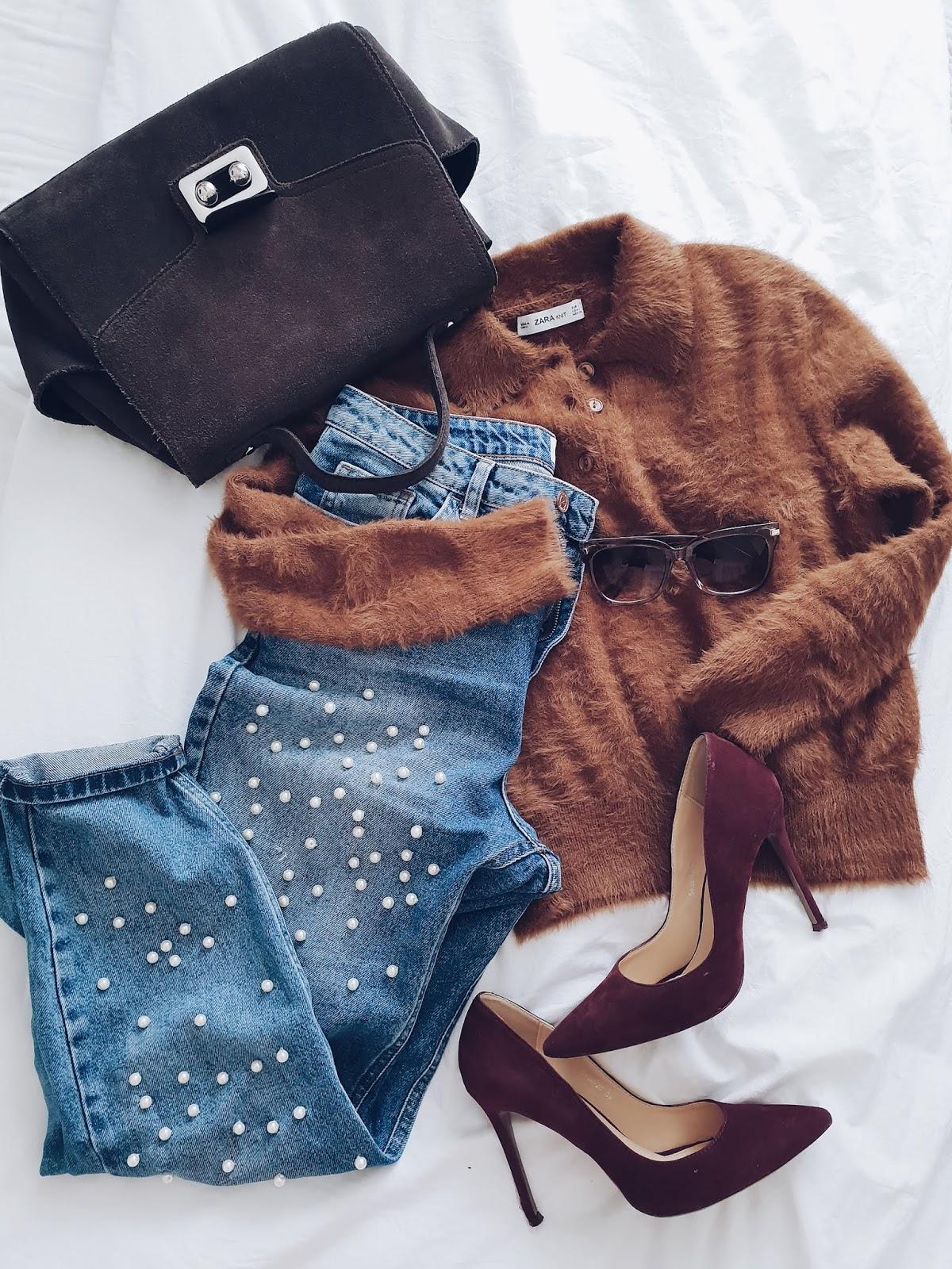 Mom jeans & polo jumper czyli karmelowy sweter & perełkowe jeansy