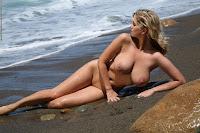 Photodromm - 2010-01-23 - JENNY - WILD BEACH 2