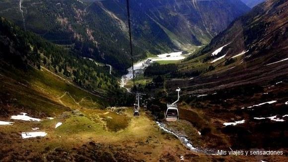 Valle de Stubai desde el teleférico, Tirol, Austria