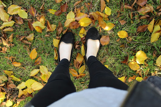 Autumn Style | Leaves & All The Denim