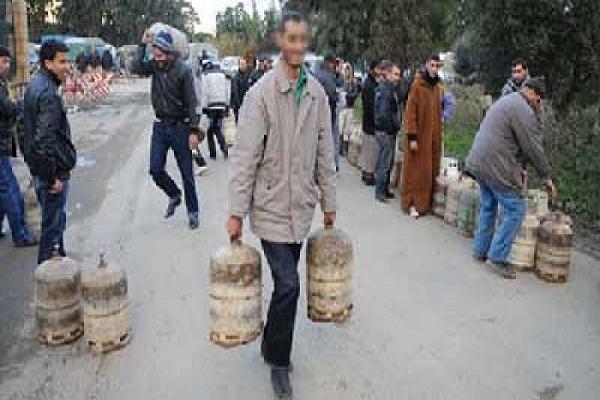 سكان قرية تاغزولت يطالبون بغاز المدينة