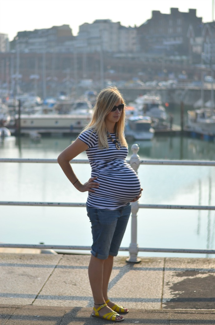8 months pregnant, baby girl bump, 35 weeks pregnant belly