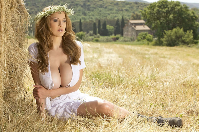 JOCA-Kybele-hot-busty-sexy-Photoshoot-Pic-10