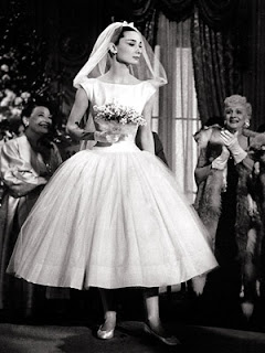 "Abito da sposa anni '50 di Givenchy, Audrey Hepburn nel film ""Cenerentola a Parigi"""