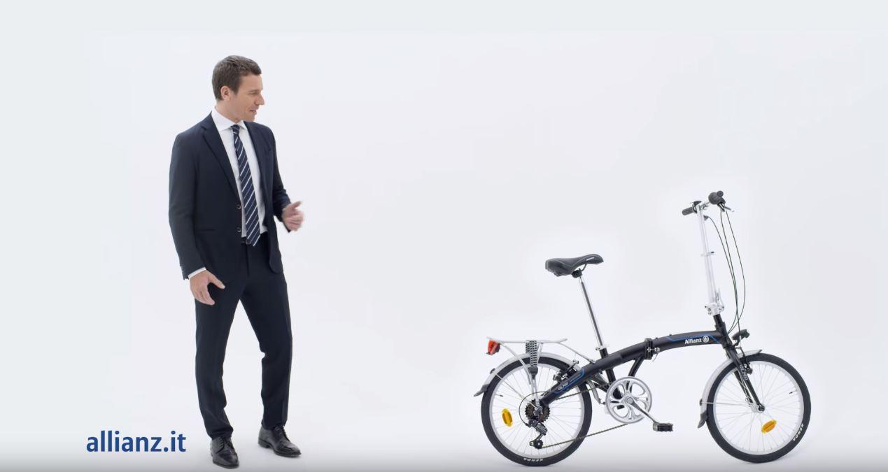 Canzone Allianz vinci viaggio e prezzi leggeri Pubblicità