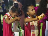 Al Qaranqashouh, Bagi-Bagi Hadiah Tradisi Oman di Bulan Ramadhan