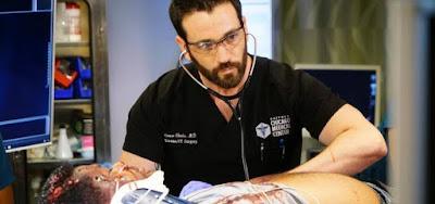 Colin Donnell na quarta temporada de Chicago Med; drama hospitalar é sucesso de audiência
