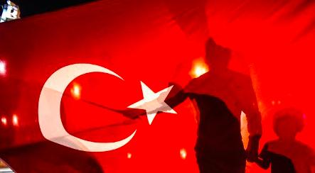 """""""Η Τουρκία ζει τη δική της 11η Σεπτεμβρίου και αντιδρά με ασύμμετρη βία"""""""