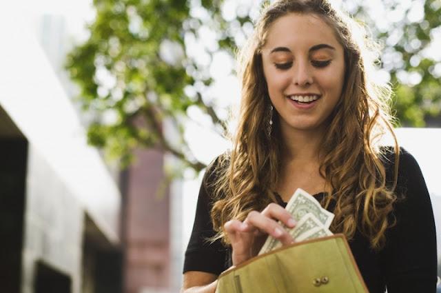 belajar memenej keuangan rekan muda dengan baik