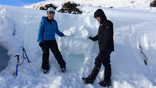 Emergency snow shelters Winter Skills course