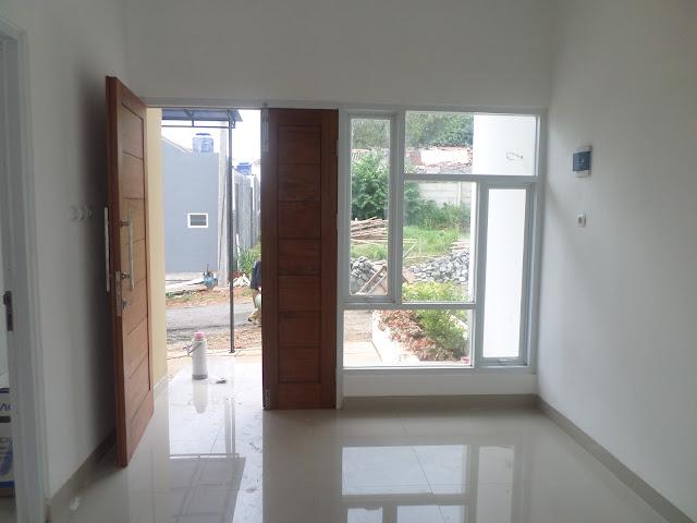 Pintu Masuk dan Jendela di Vilamas Bellevue