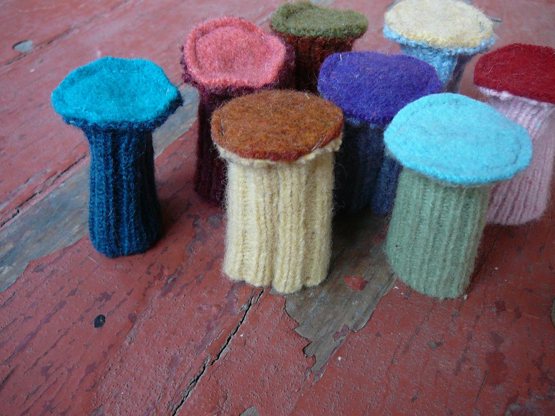 Needlework Носочки для ножек стула Socks For Chair Legs