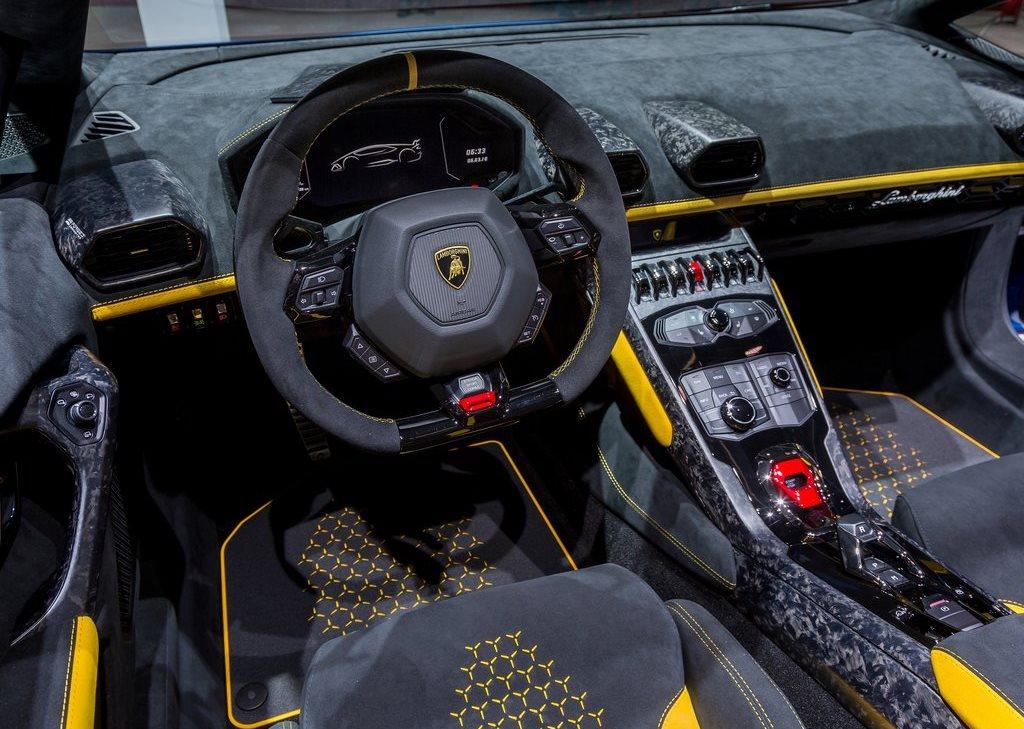 2019 Lamborghini Huracan Performante Spyder Interior